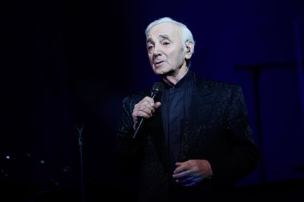 charles-aznavour-wallpaper